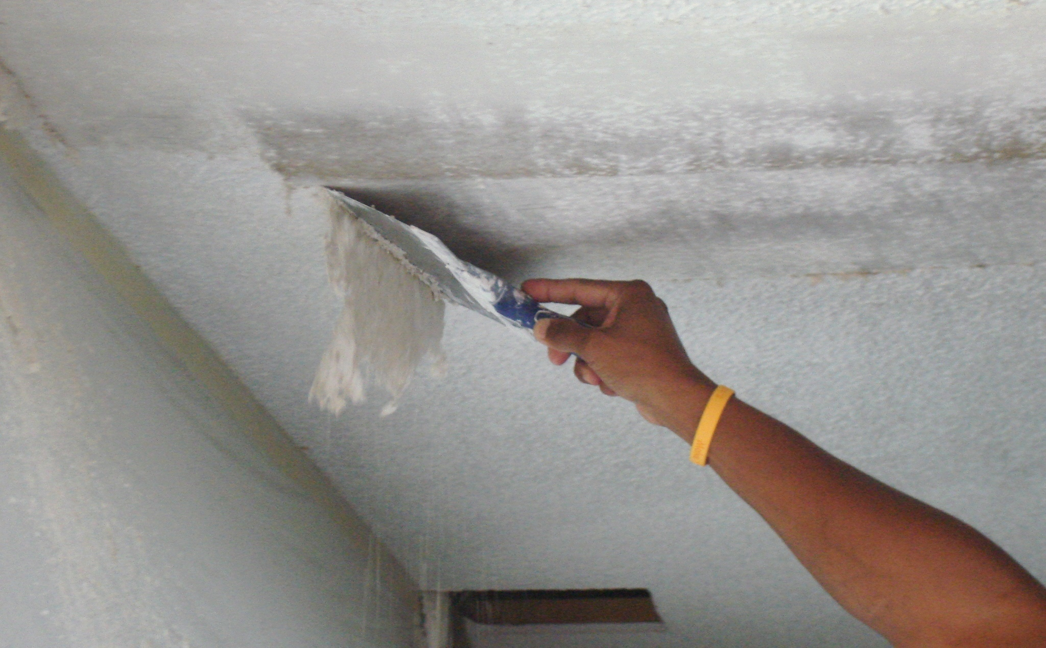 How to remove a popcorn ceiling and change into a smooth ceiling